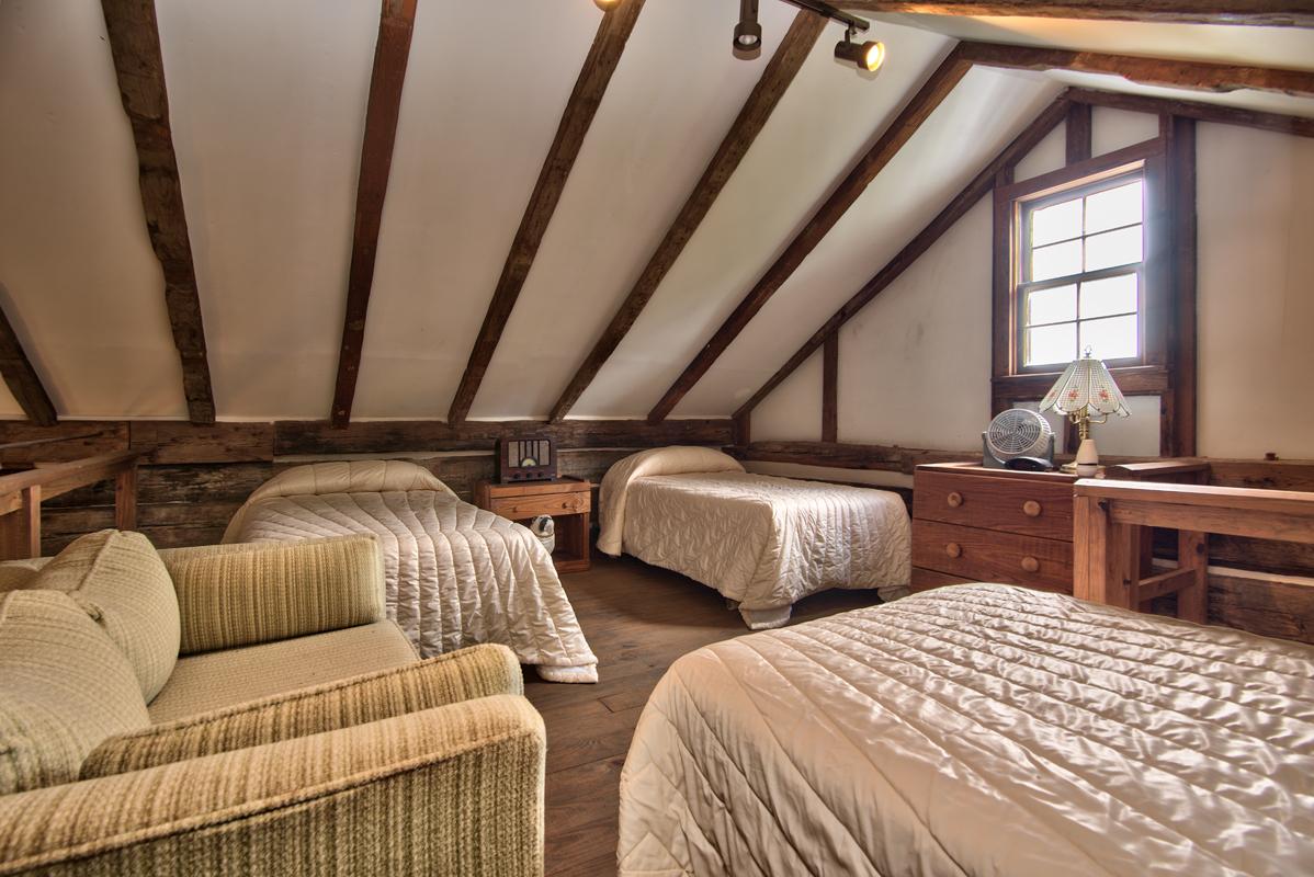 C. 1810 log cabin loft
