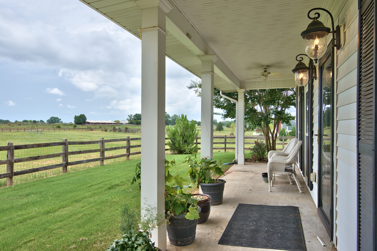 2165 Ross Rd porch view