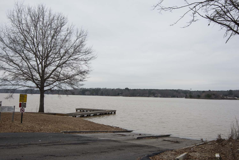 Deal 5 acres with creek close to lake oconee marina for Lake oconee fishing