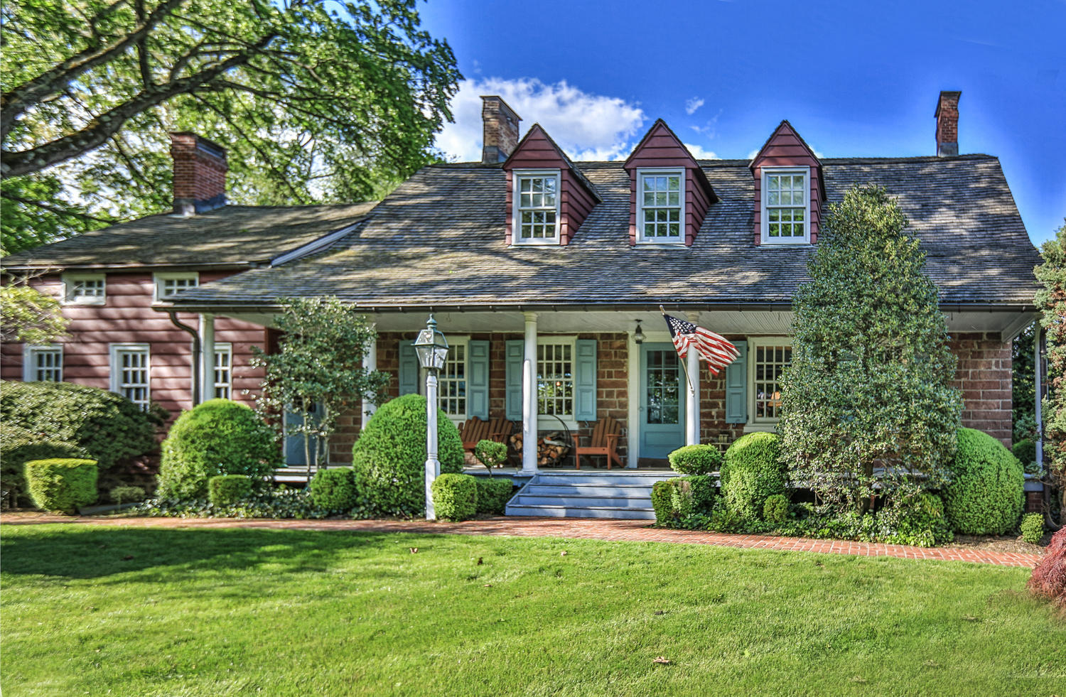 Park ridge colonial home for sale 639 000 jeana cowie for Dutch colonial house for sale