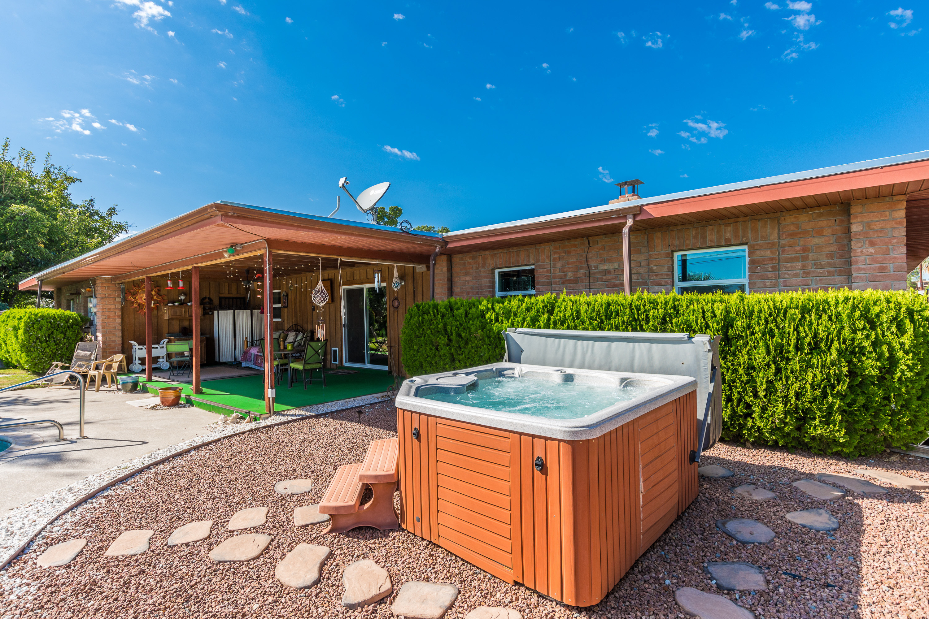 image of hot tub fairway drive
