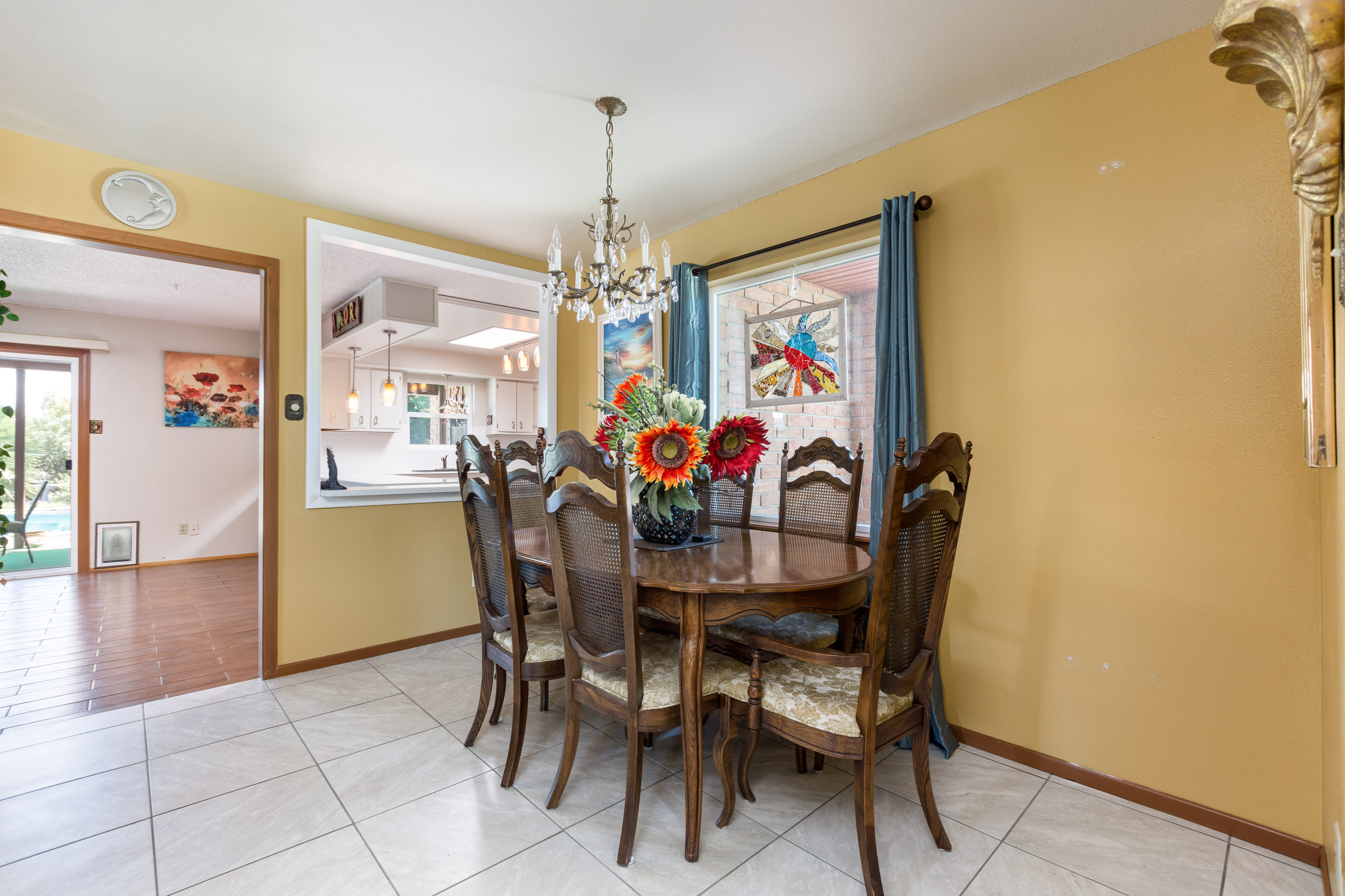image of dining room 3045 fairway drive
