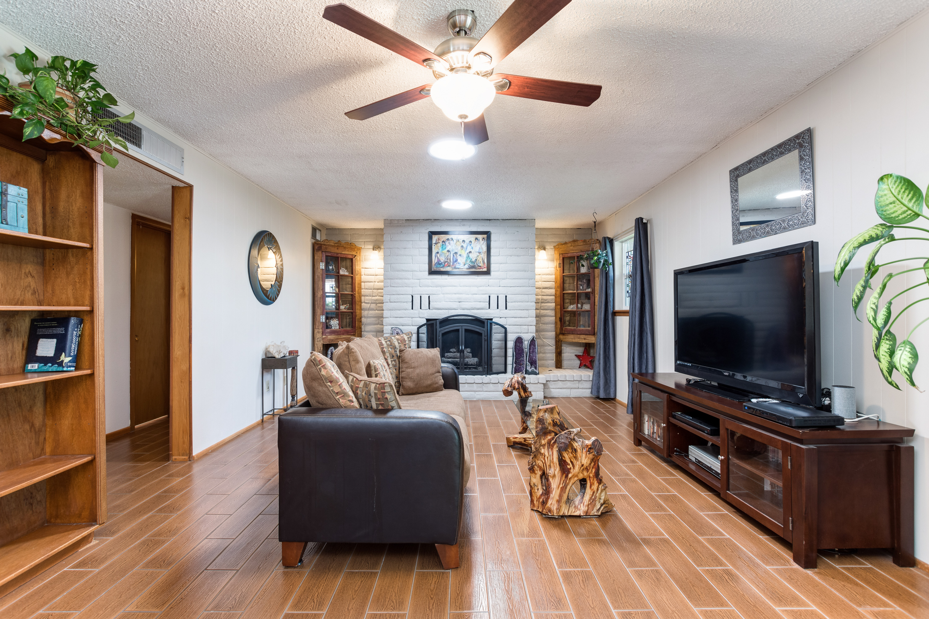 image of family room 3045 fairway drive