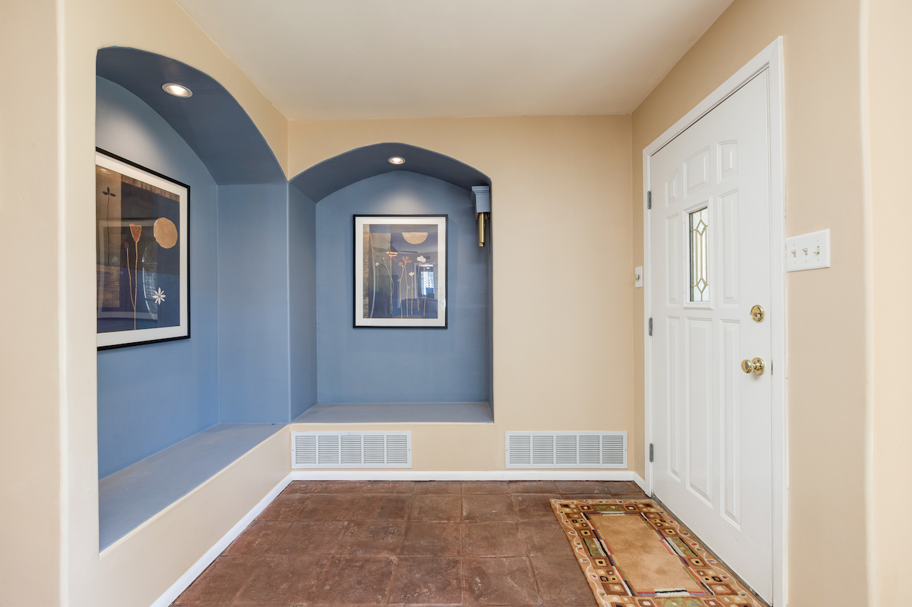 image of entry way 9 lebanon
