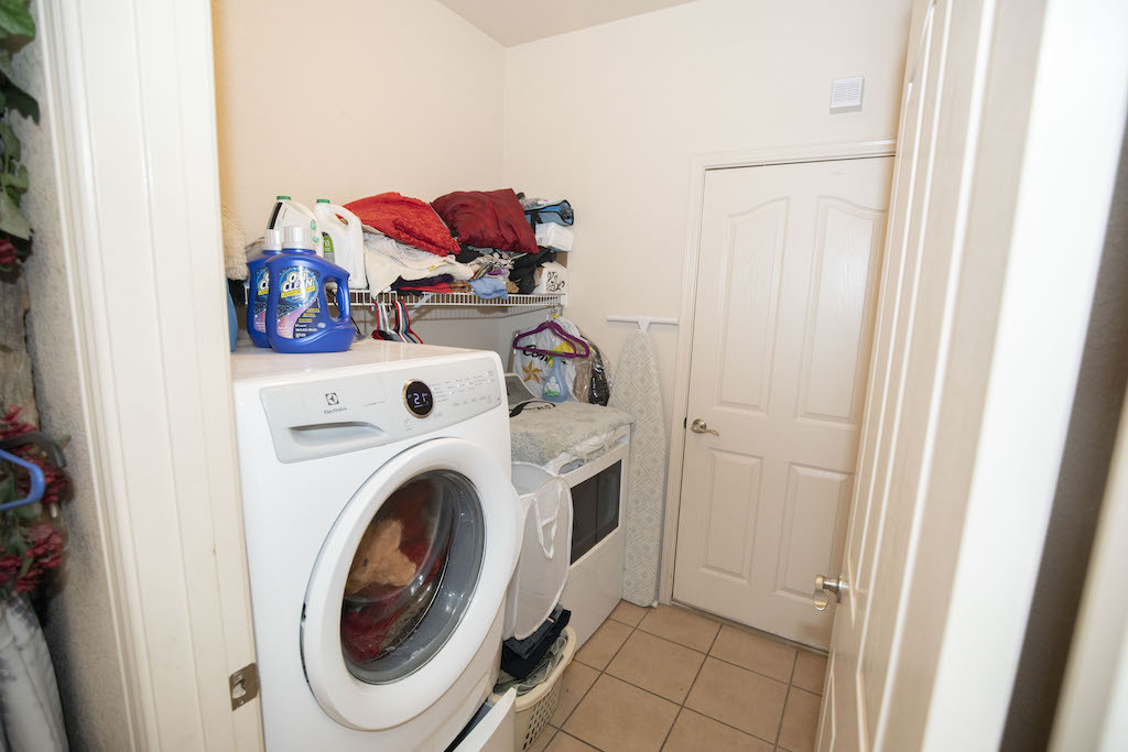 image of 4626 rimrock drive laundry room