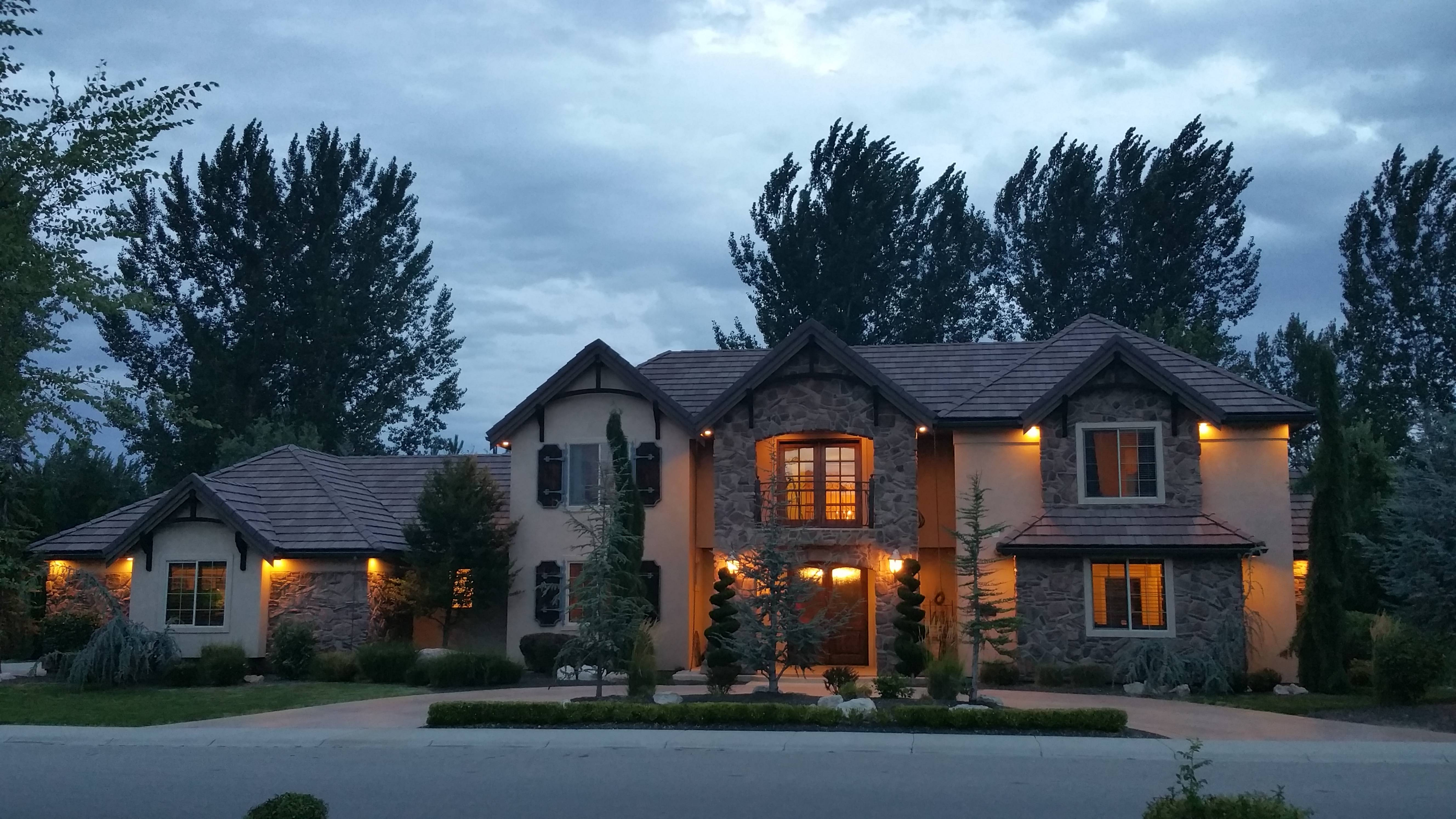 594 W Watersford, Eagle Idaho