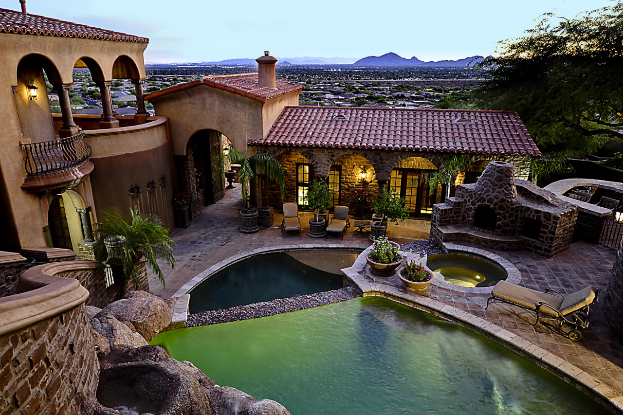 Homes with a guest house for sale in phoenix az metro for Az home builders
