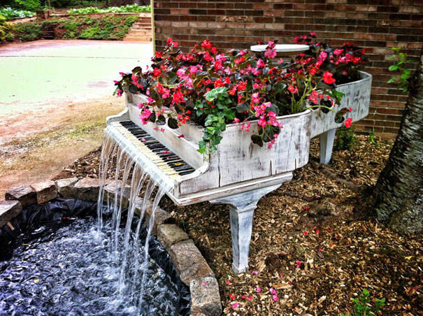 recycle piano into a fountain