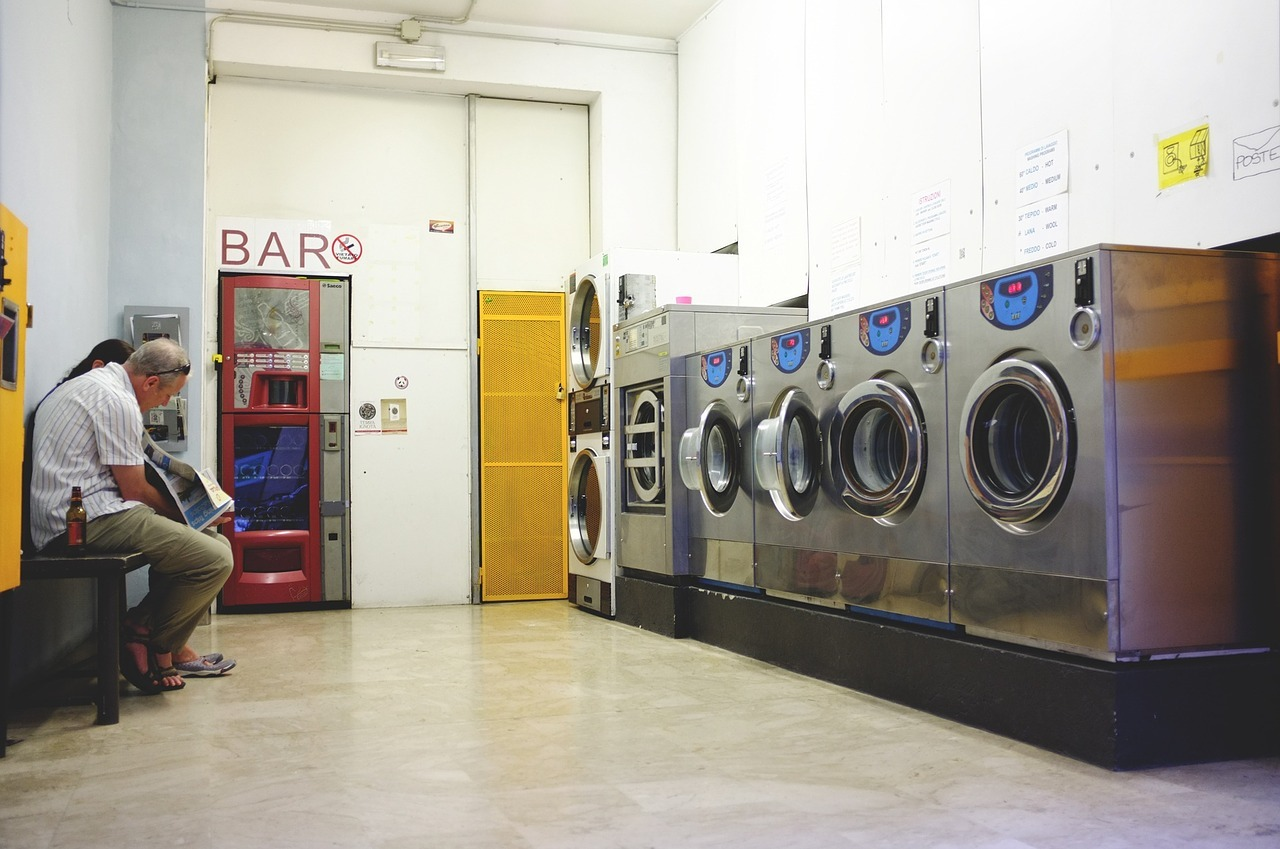 How A Coin Op Washer And Dryer Attracts Quality Tenants
