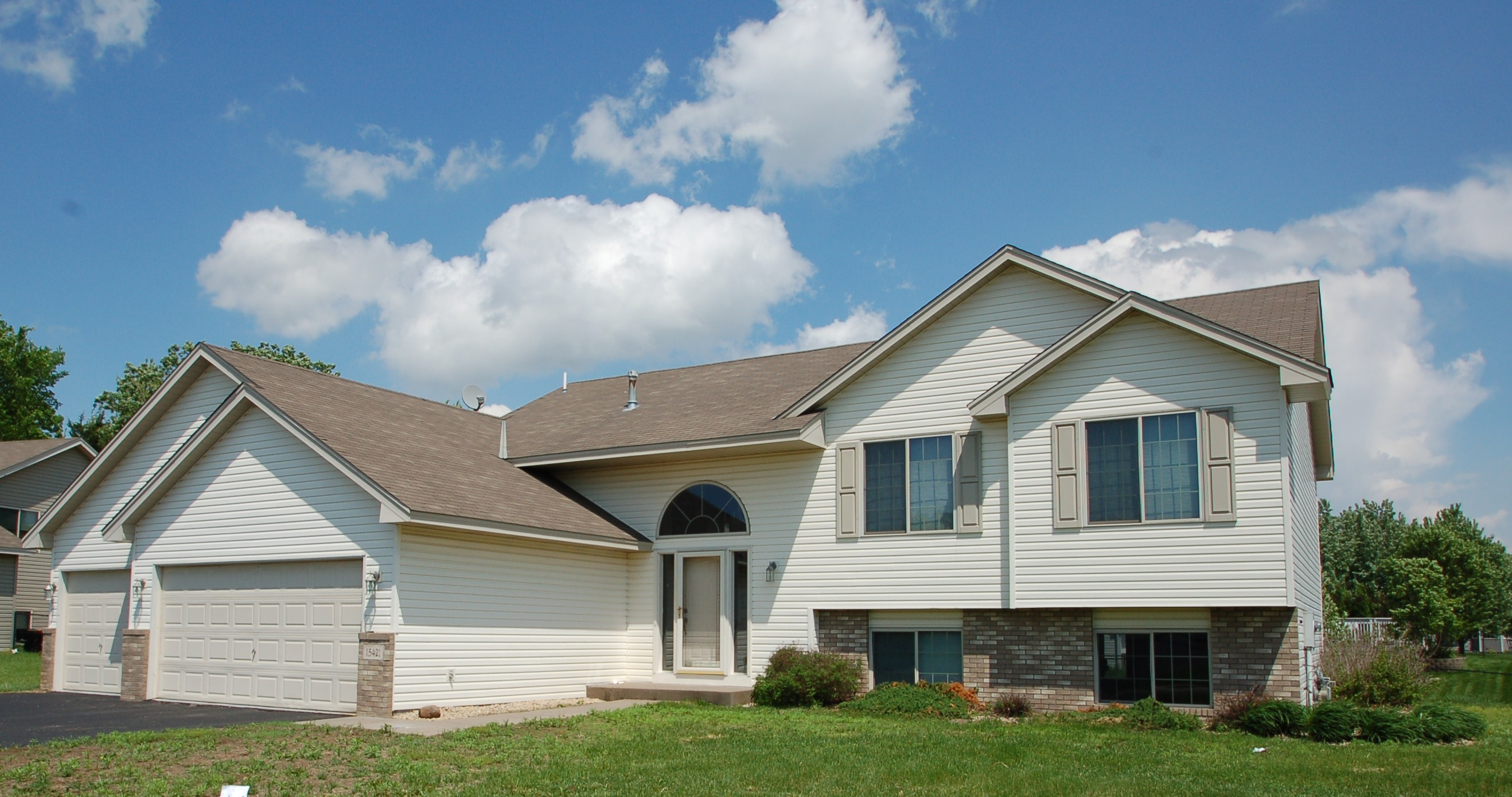 Spacious Split Entry Home In Andover
