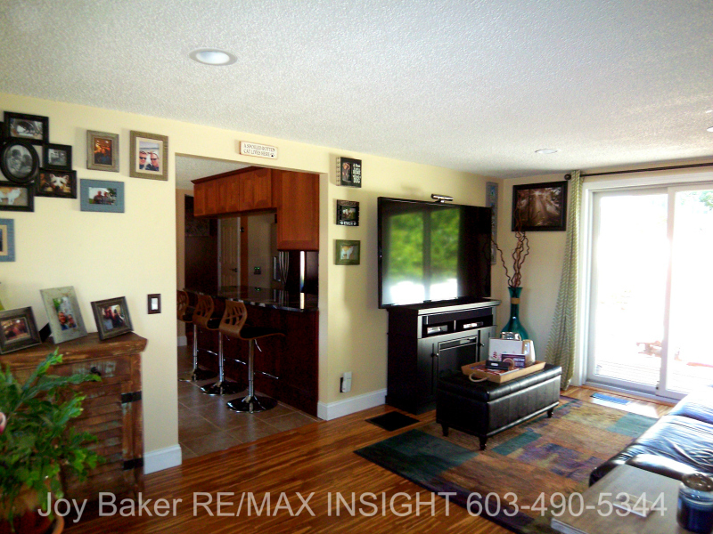 90 Allamimo St Manchester NH 03102 LR View 2 Joy Baker RE/MAX Insight 603-490-5344