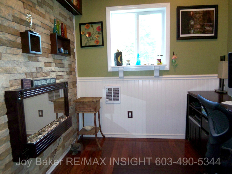 90 Allamimo St Manchester NH 03102 Bonus Room In Garage Joy Baker RE/MAX Insight 603-490-5344
