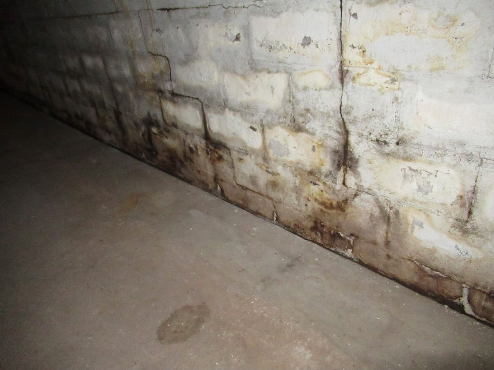 step cracks in concrete block walls