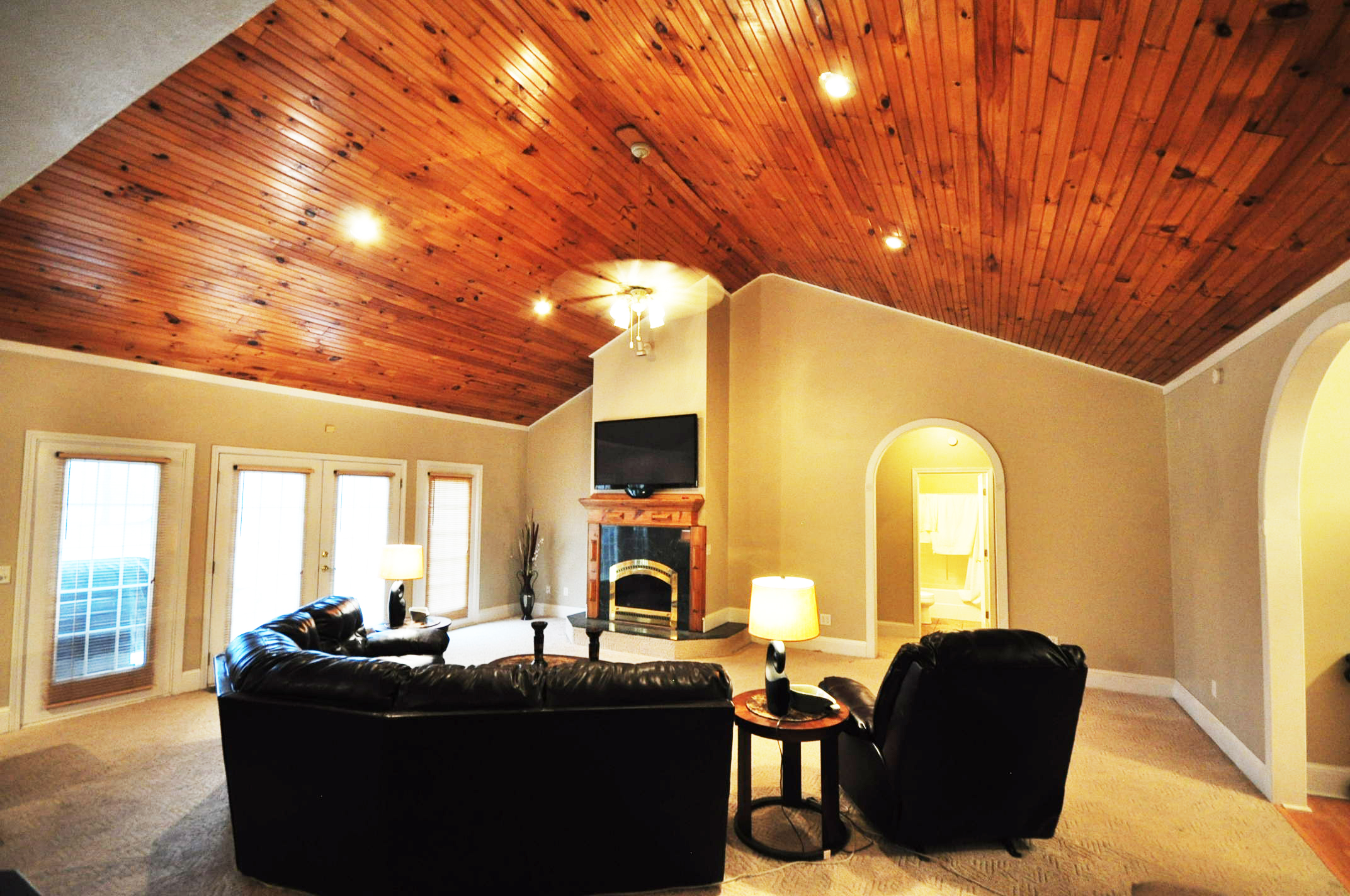 Pine Wall Vaulted Ceiling Decorating Ideas Decorating Ideas ...