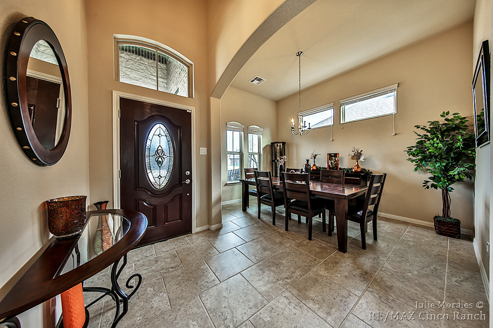 Stunning Cumberland Crossing Home In Porter Tx