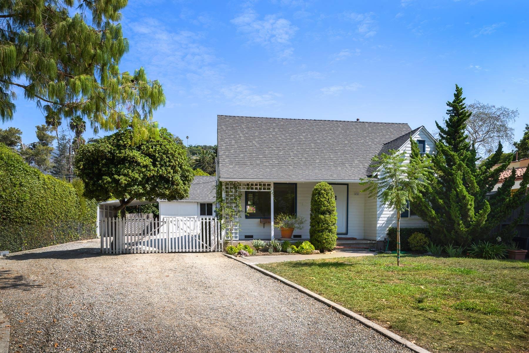 Charming San Roque Farmhouse with detached Art Studio