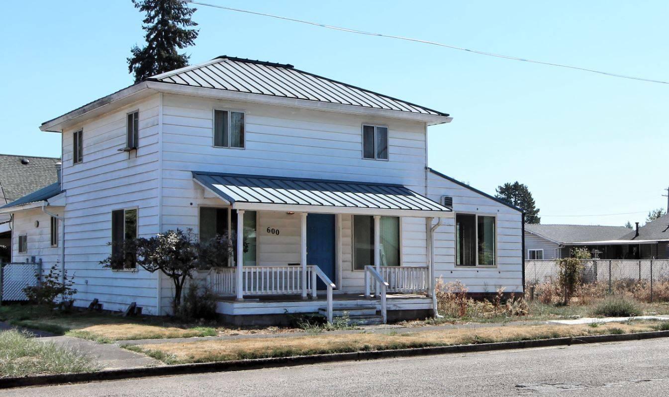 Fixer-Upper in Newberg, Oregon