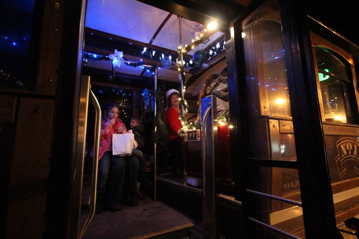 Christmas Trolley at Frozen at Kelly Land 2014