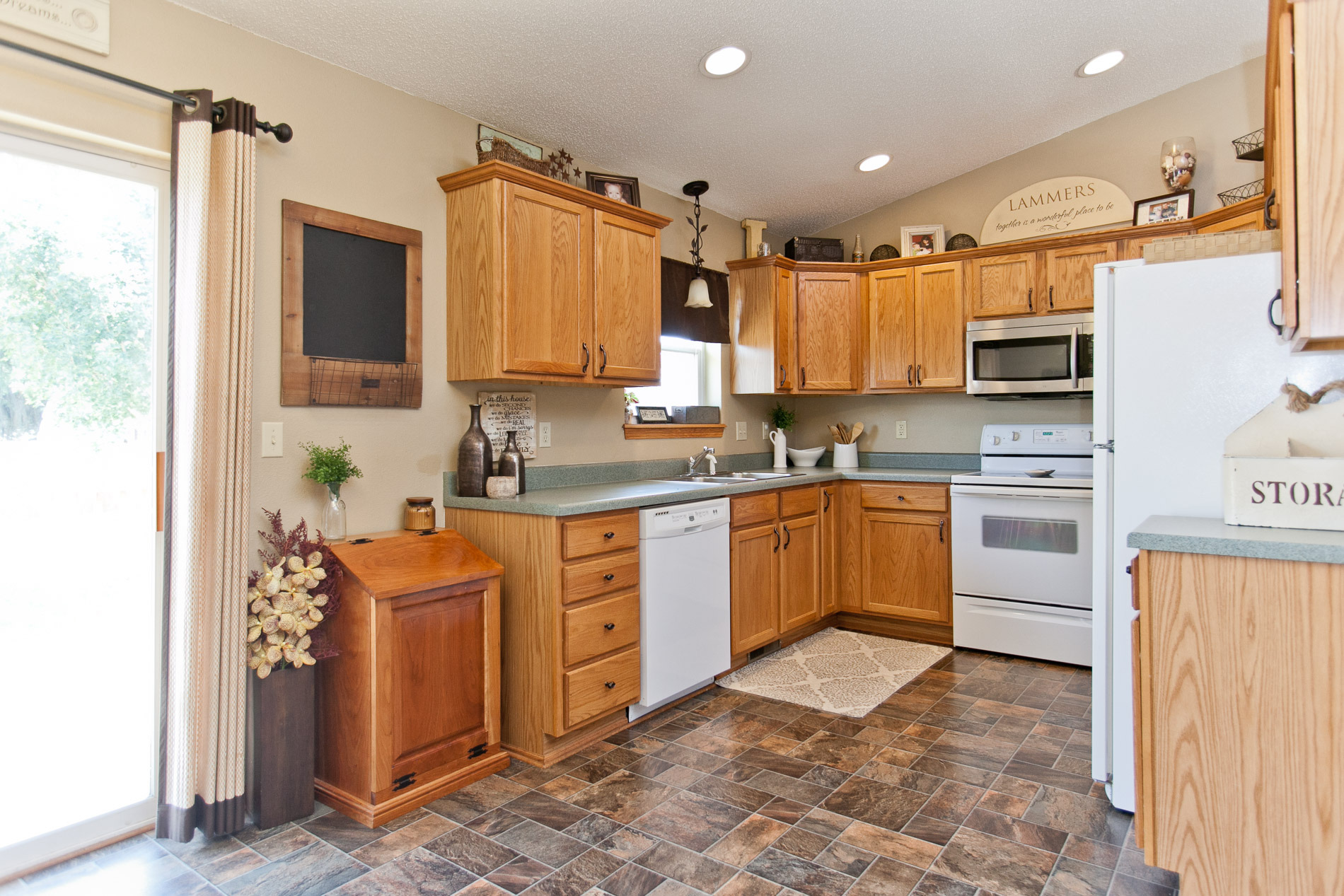 Kitchen at 406 Agape Avenue Urbana, Iowa 52345