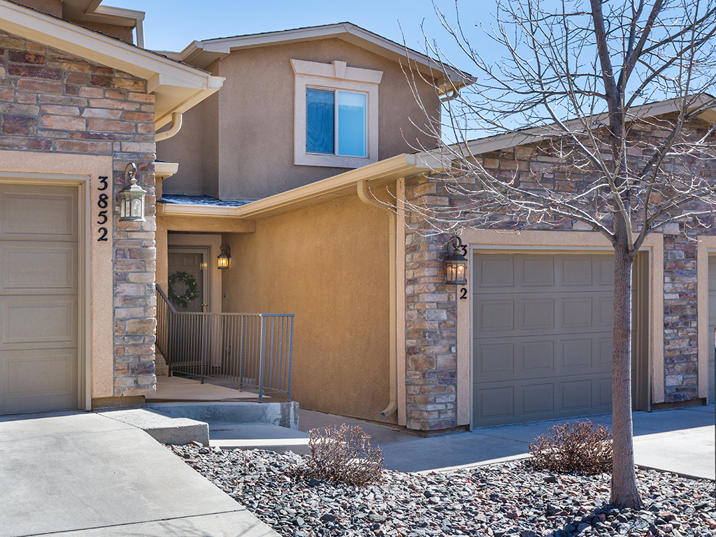 2 Bedroom Townhouse Colorado Springs