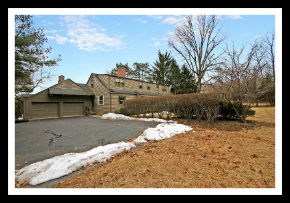 This Bridgewater Township NJ home is located on a peaceful, quiet and safe neighborhood.