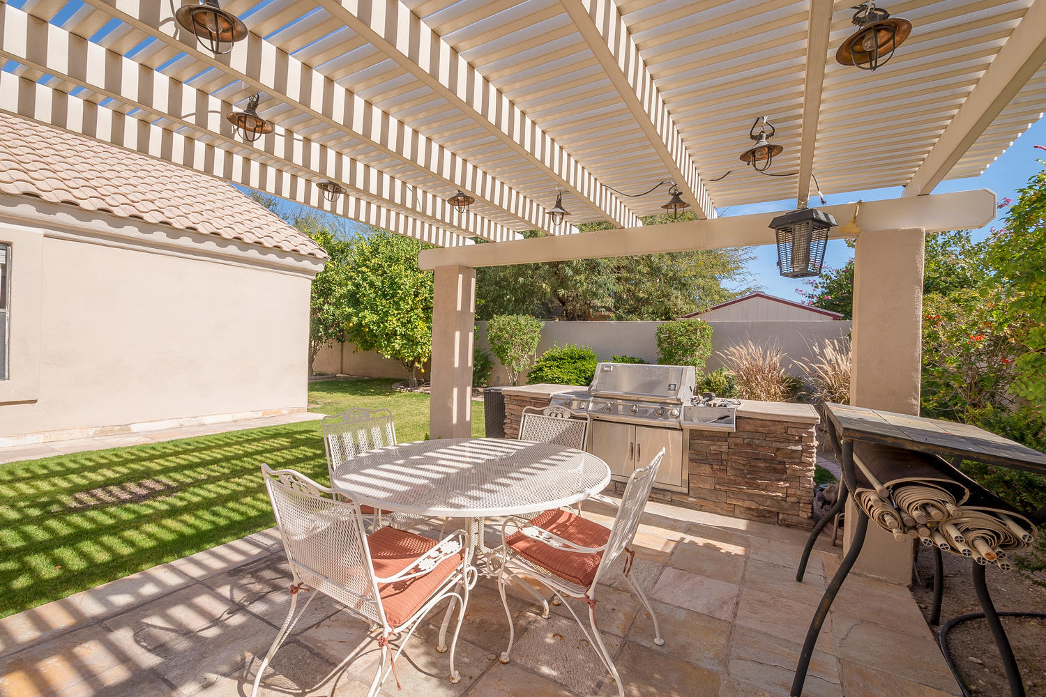 6 bed 4 ba custom basement home in forest knoll in mesa for Indoor swimming pools in mesa az