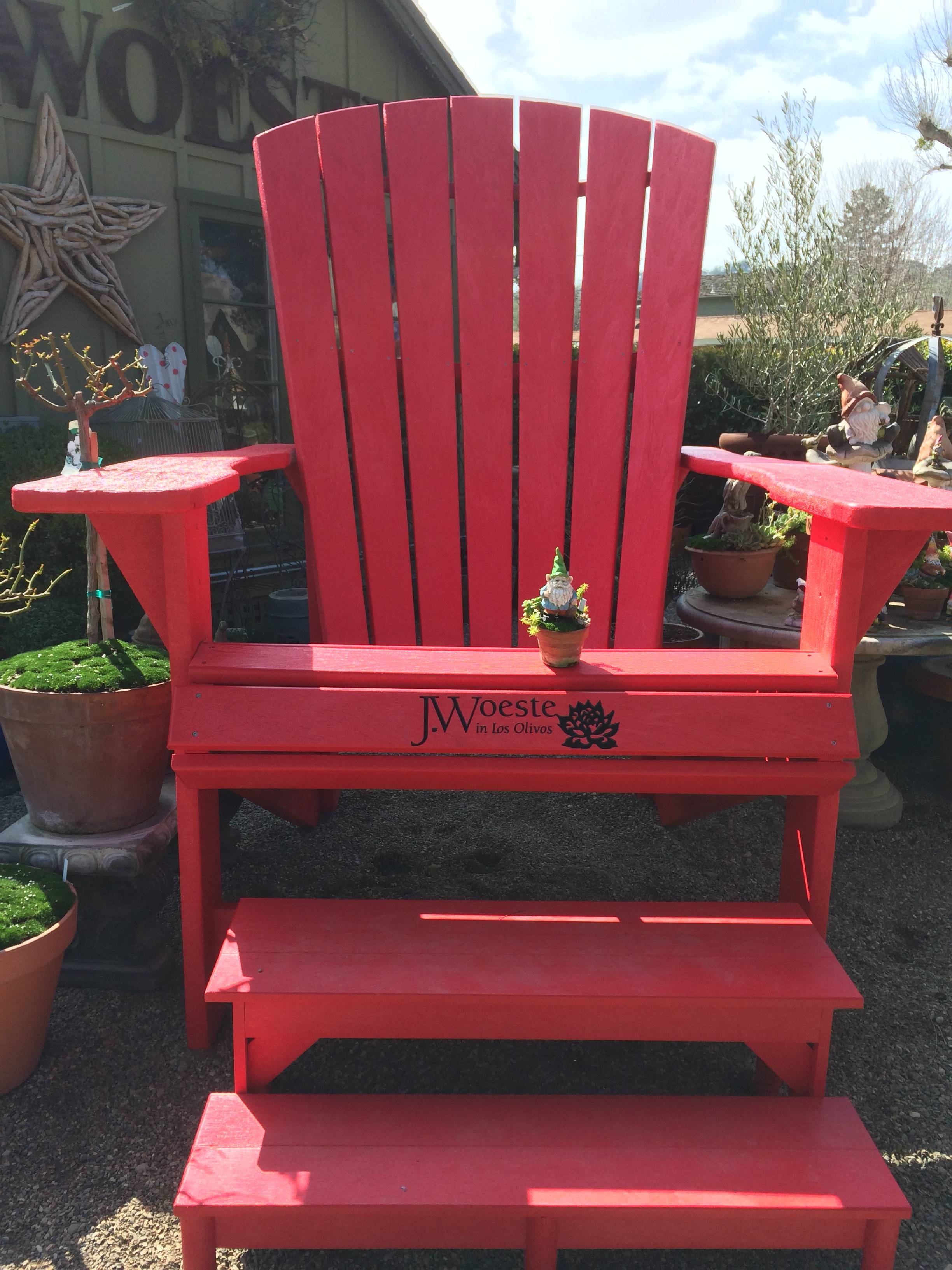 Speechless Sunday: A Very Big Red Chair!