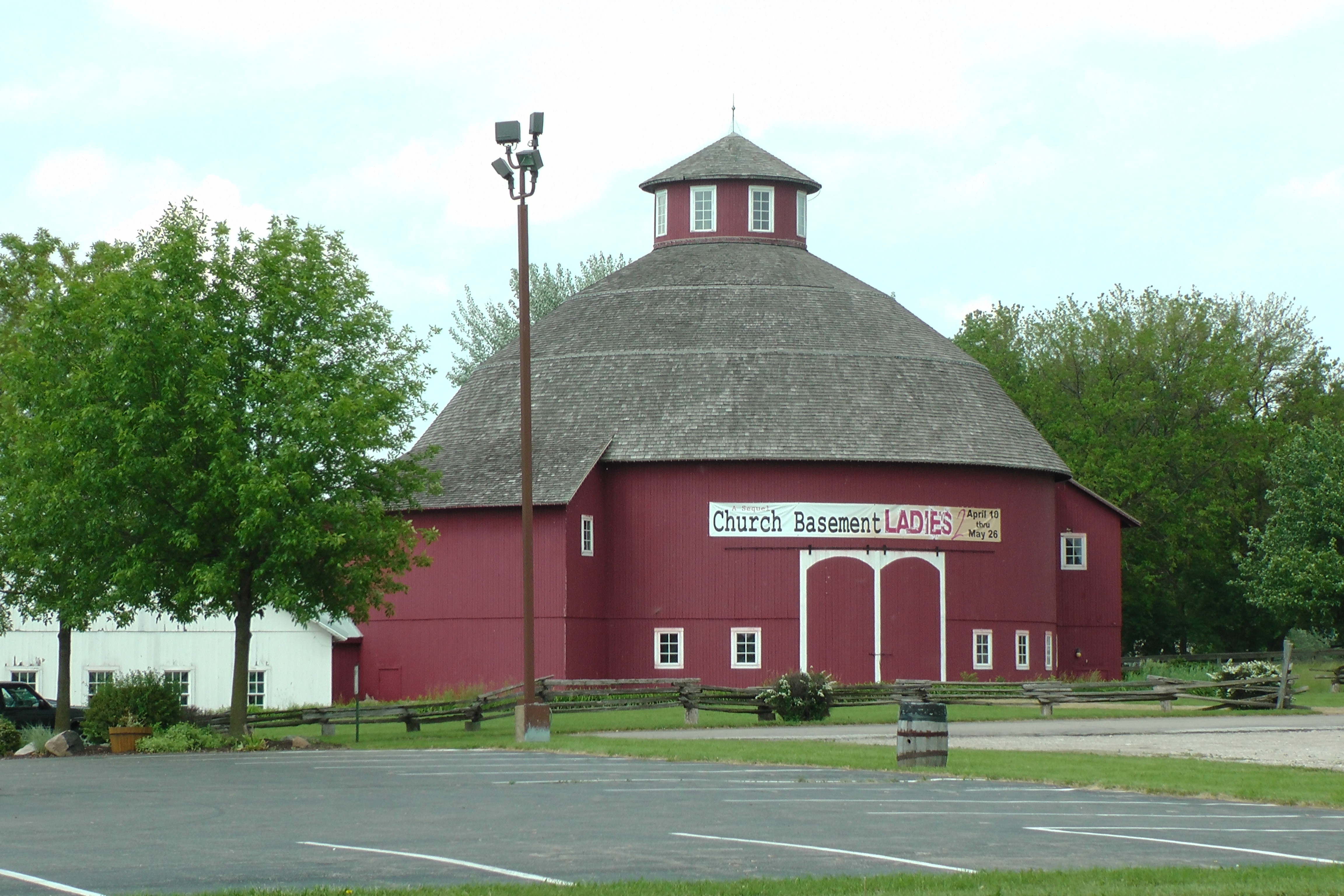 The Round Barn Theatre, Nappanee, IN. is Open for the 2