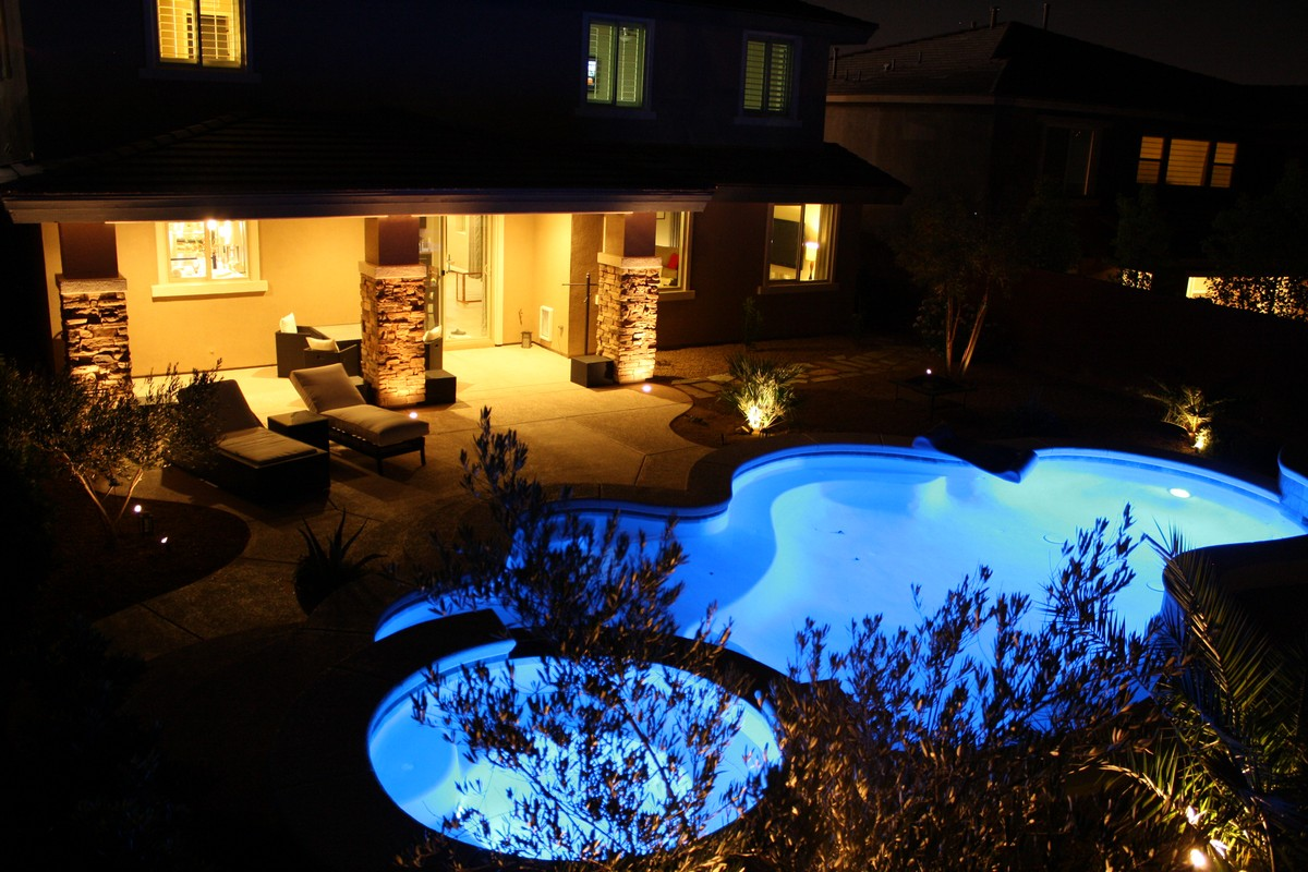 las vegas homes for rent with a pool