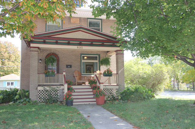 4br American Foursquare For Sale In North Forest Park