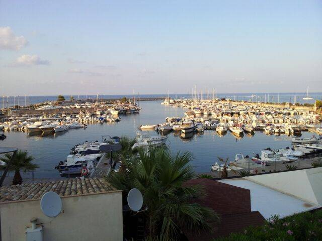 Boat Harbor house for sale in Italy