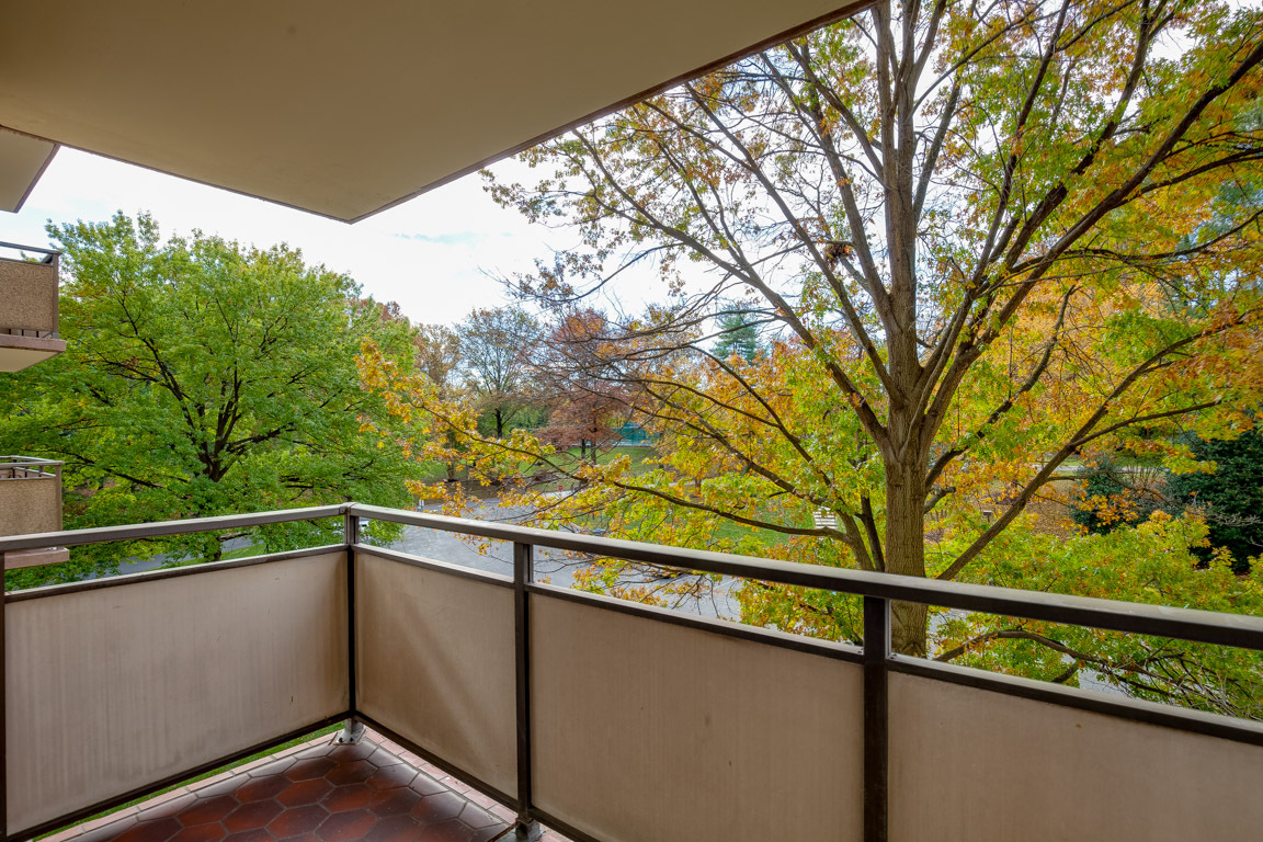 Unit 222 S 5225 Pooks Hill Road Bethesda listed by Lise Howe