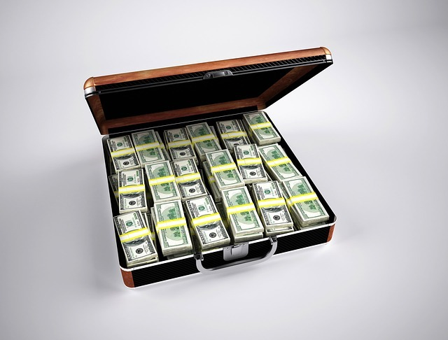Buyers with suitcases of money are seller favorites!