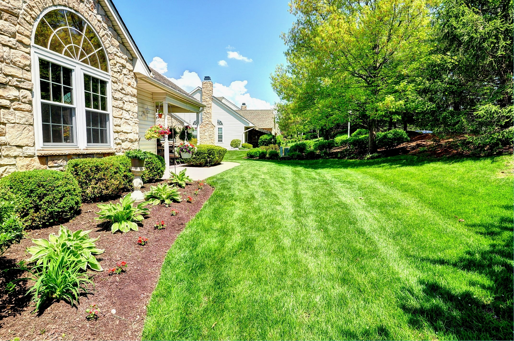 Fantastic Carriage House in a Beautiful Community in Franconia Twp