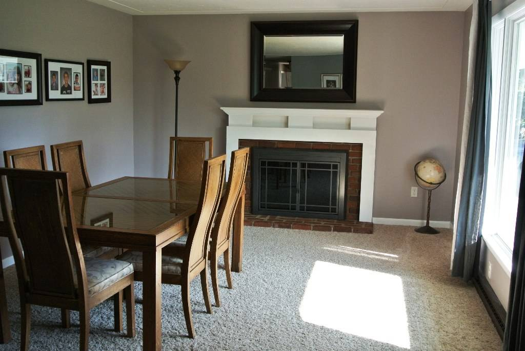 458 long street amherst oh 44001 for Amherst family room