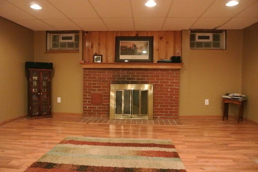 524 Kenilworth Bay Village Rec Room