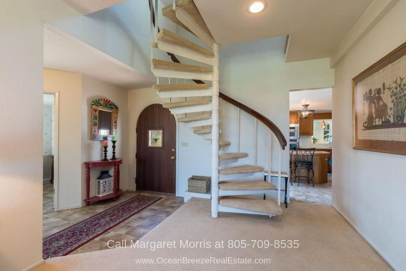 Arroyo Grande CA Homes - Feel at home the moment you stepped inside the foyer of this Arroyo Grande home for sale.