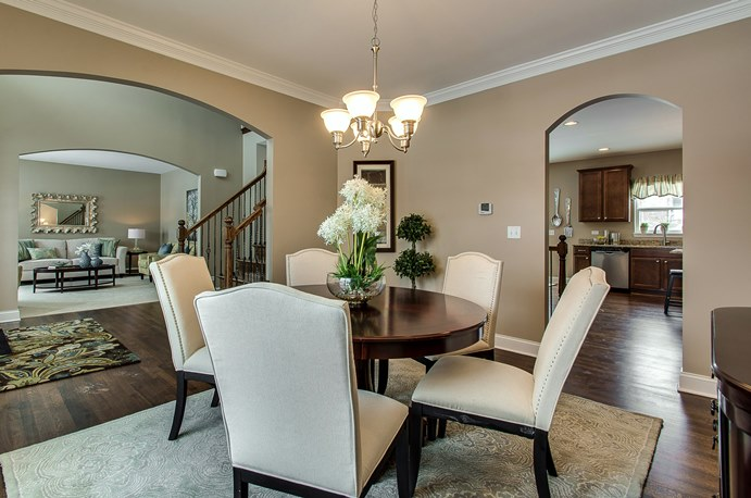 how to stage a dining room table | Chicagoland Home Staging asks: What's on your dining table?