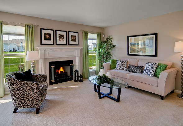 Home Staging Chicago: Accessorizing the Fireplace Mantel