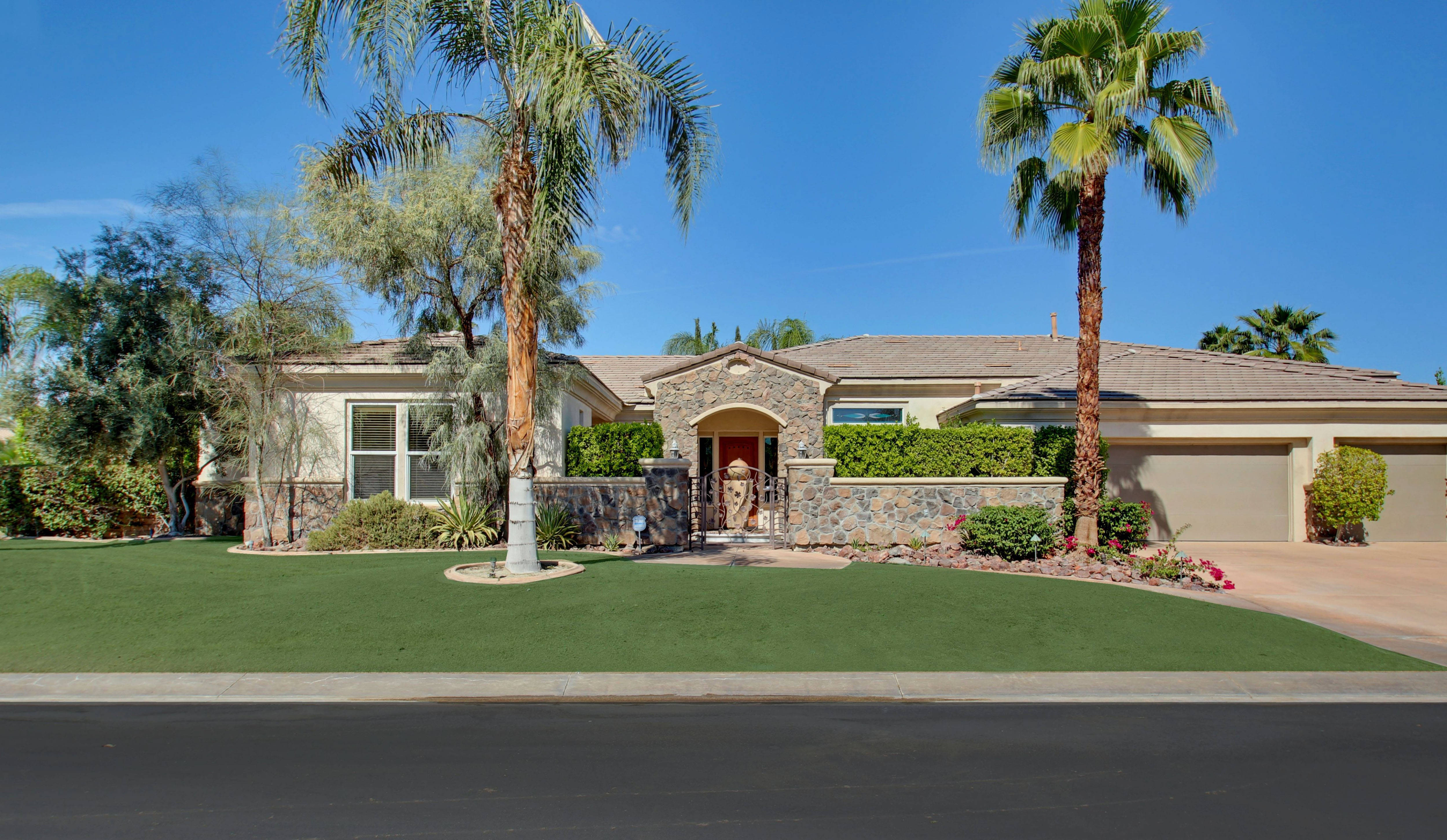 gorgeous and spacious tuscan style home la toscana r