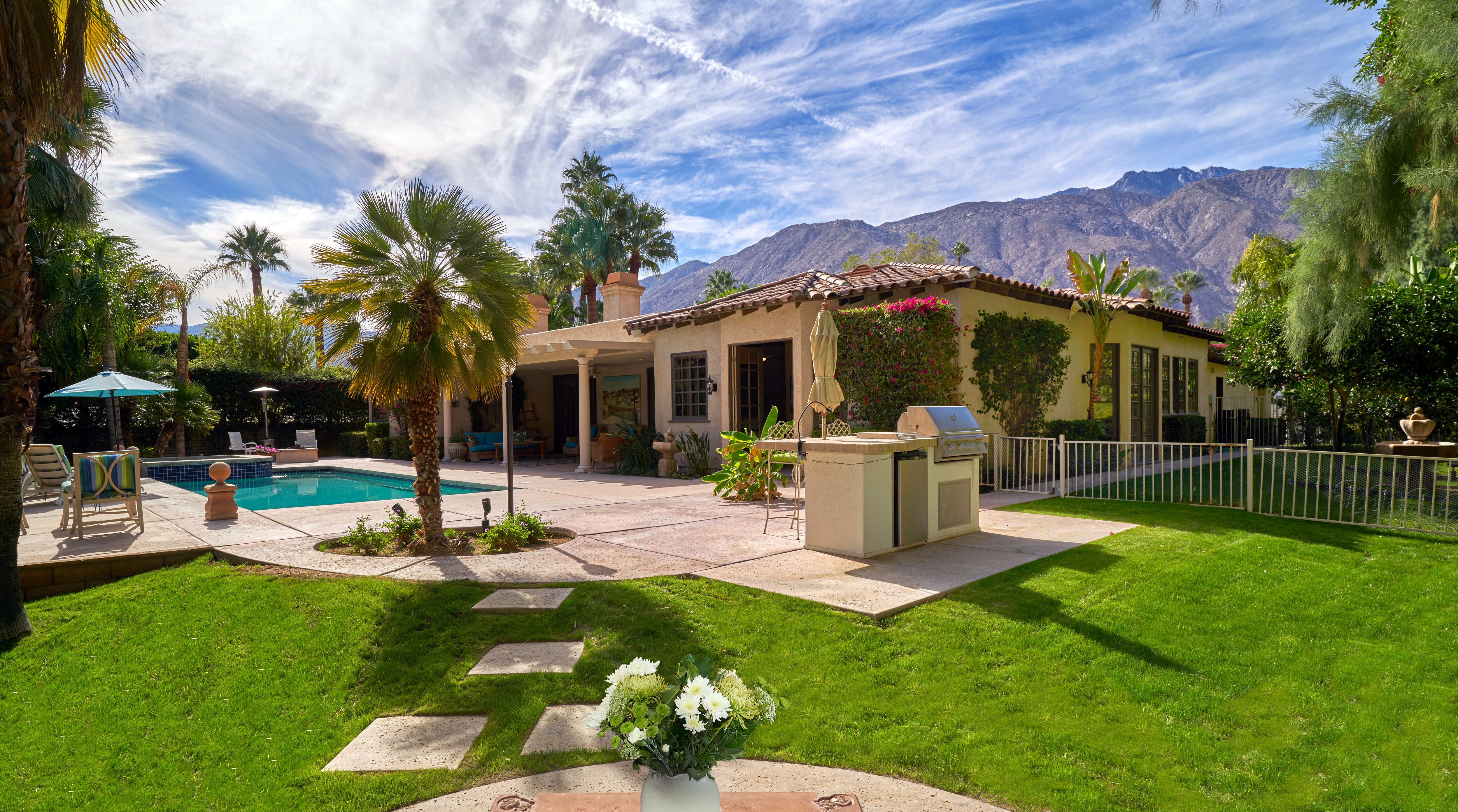 Palm Springs Hideaway Available in the Exclusive Movie Colony