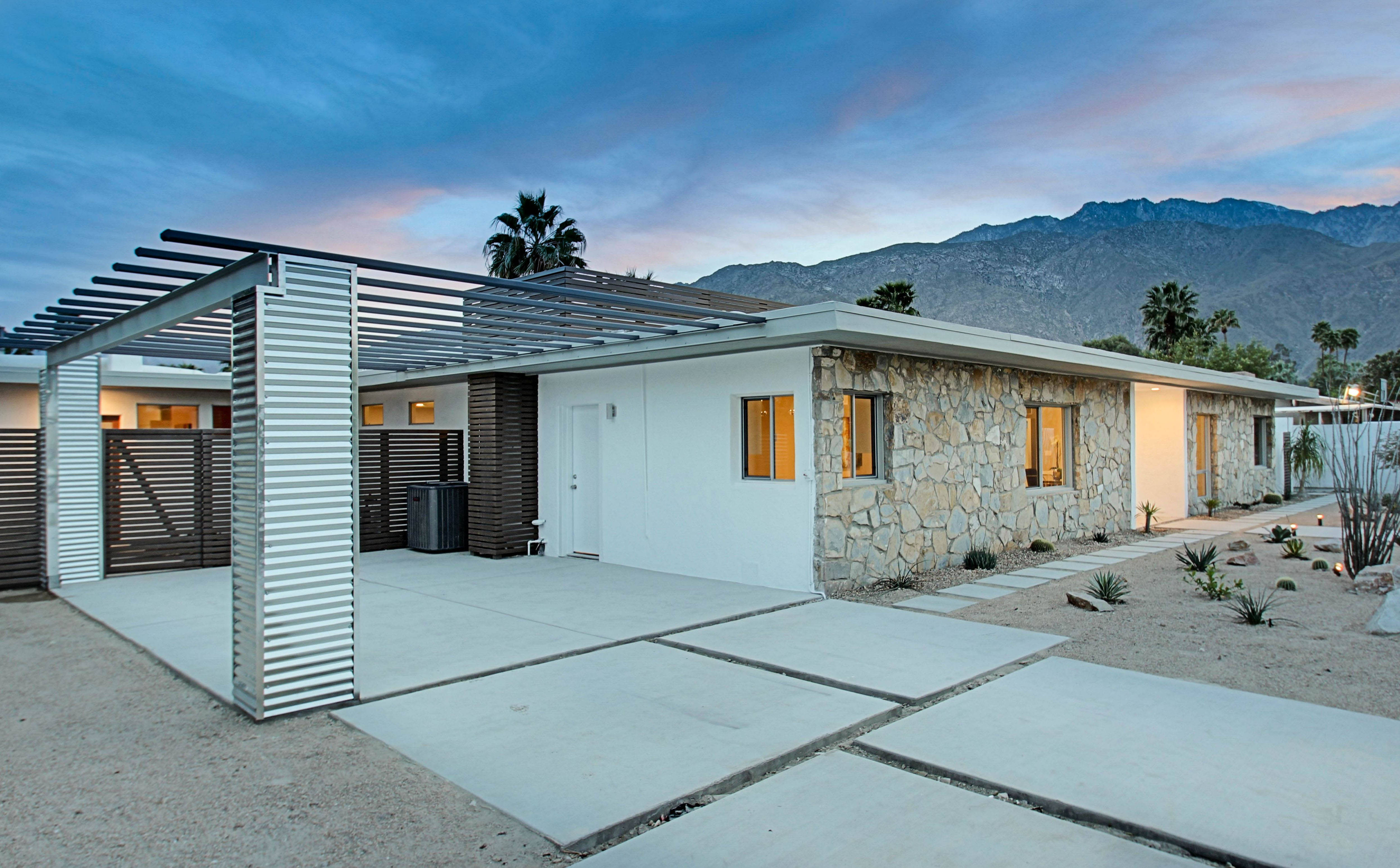 Renovated mid century modern in central palm springs for Contemporary carport design architecture