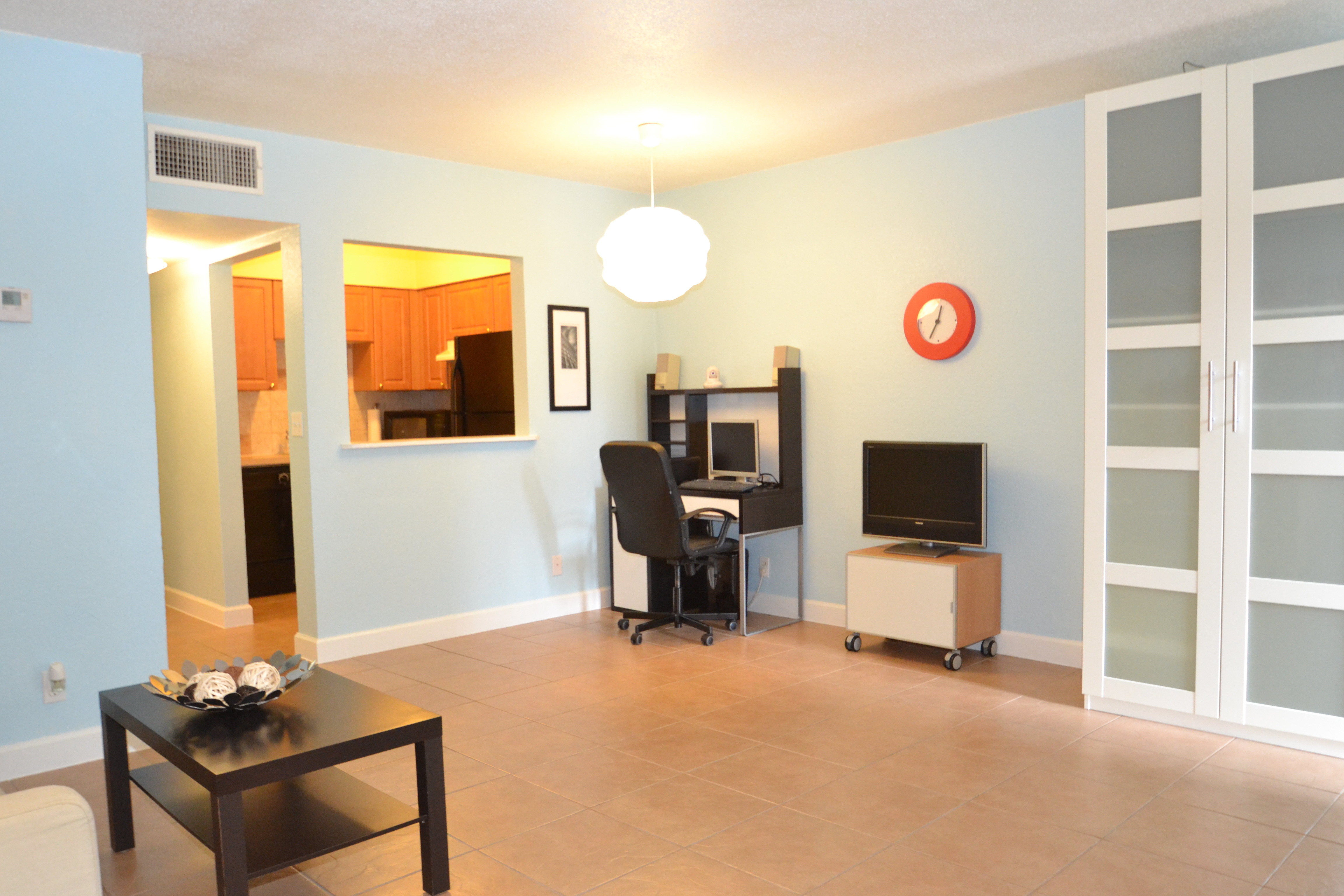 Living Room of Condo for Sale in Wilton Manors, Fl