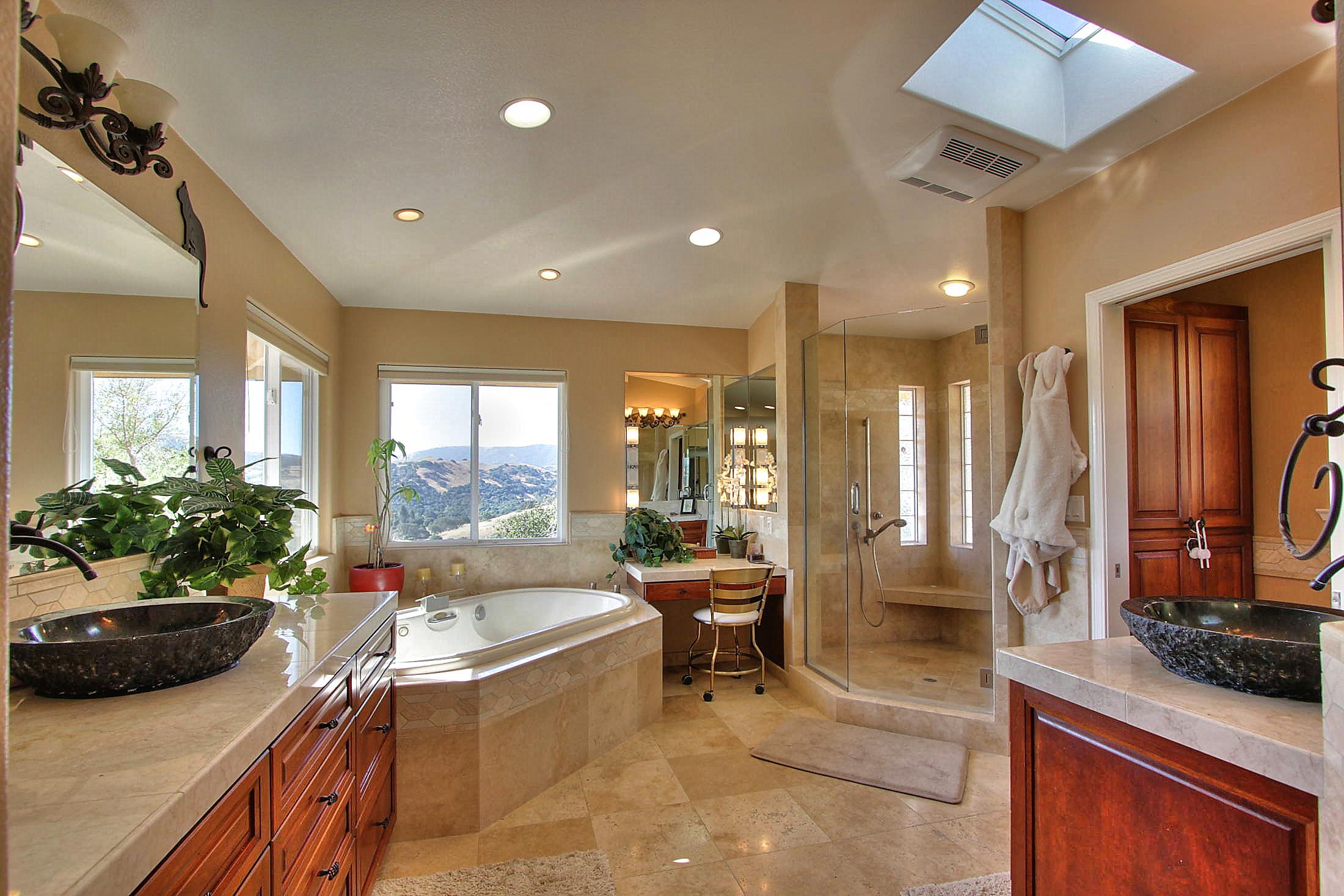Corral de Tierra Master Bathroom