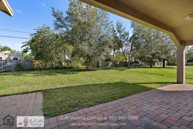 Port St. Lucie Homes -  Enjoy great outdoor living in the large backyard of this home for sale in Port St. Lucie.
