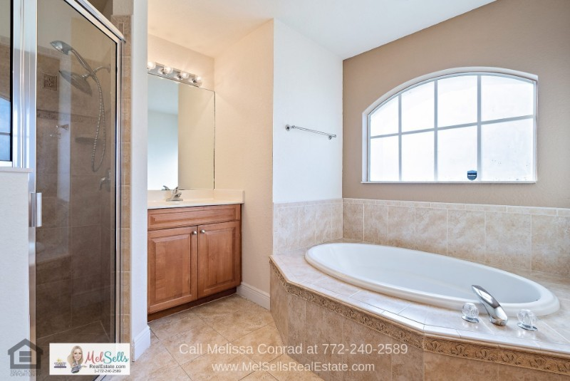 Port St. Lucie FL Real Estate Properties for Sale - Comfortable modern living is yours to enjoy in this Port St. Lucie home for sale.