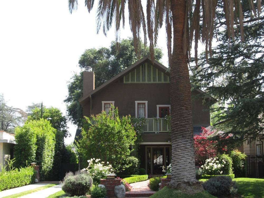 Historic Homes in North Pasadena Heights Landmark District