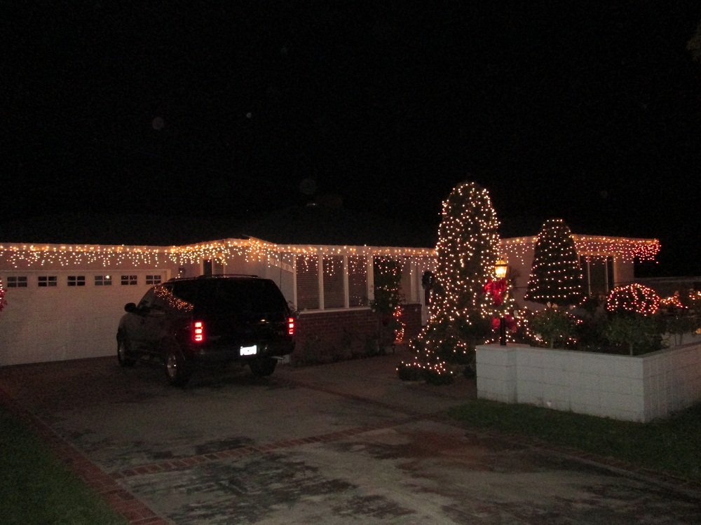 Holiday Spirit Served Throughout December in Upper Hastings Ranch in Pasadena