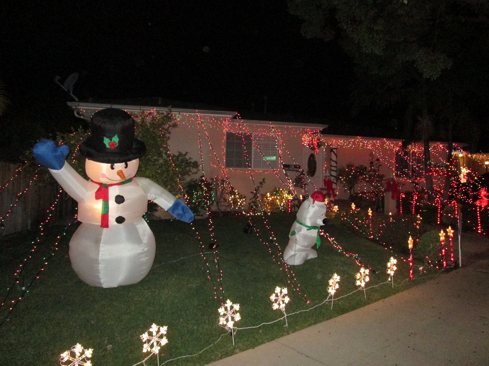 Upper Hastings Ranch Holiday Light Up -- A Pasadena Tradition since 1952