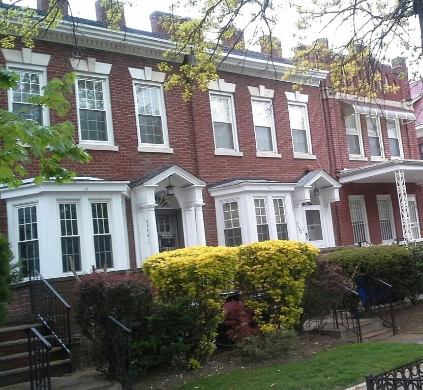 attached brick row homes in flatbush brooklyn, real estate agents in flatbush brooklyn
